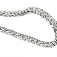 18ct White Gold Claw Set Diamond Line Bracelet