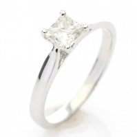 Classic 18ct White Gold Princess Cut Single Stone